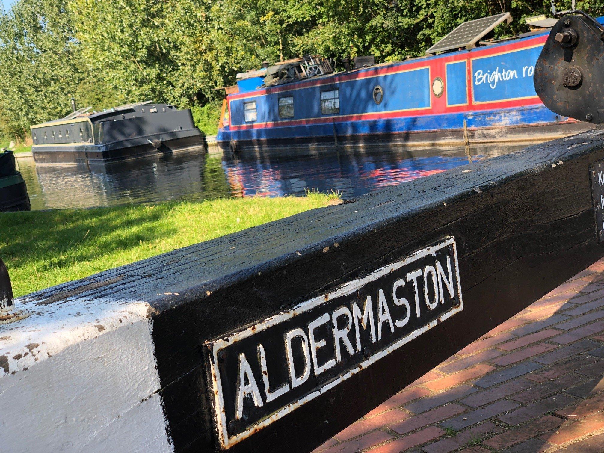 Aldermaston Lock at Aldermaston Wharf