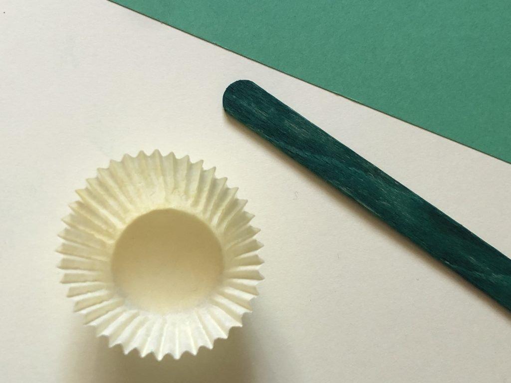 Paper Daffodil materials
