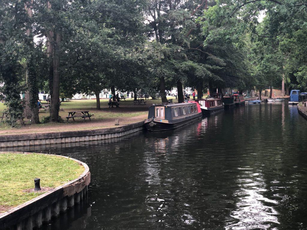 Basingstoke Canal Walk