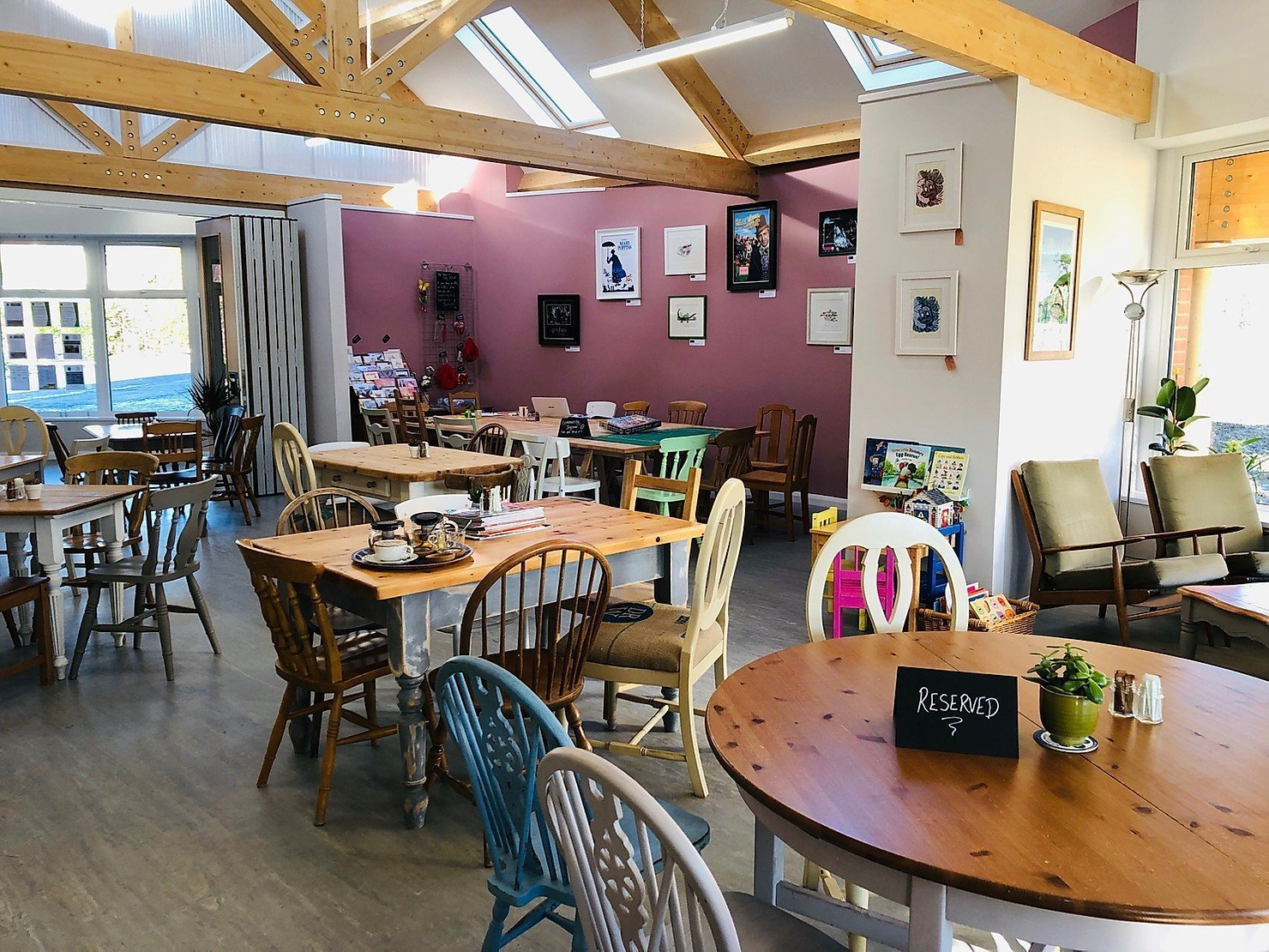 A visit to The Foxes' Den Café, Binfield