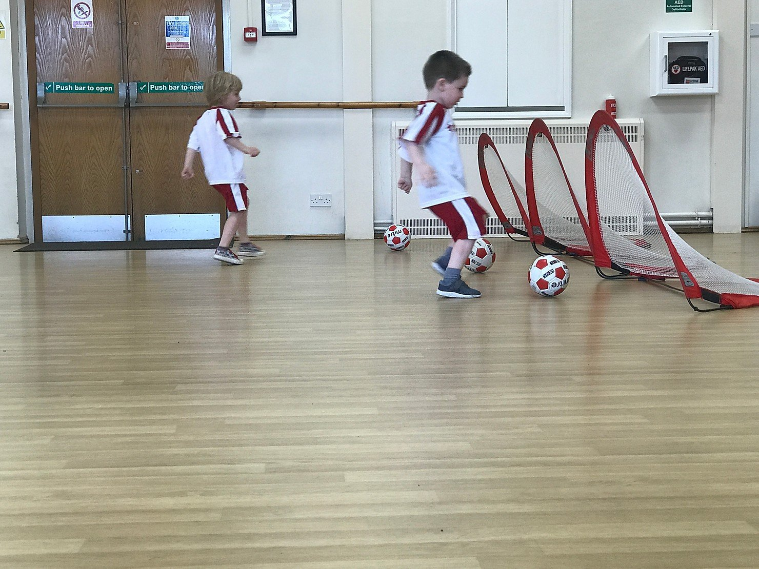 AD – Review // Little Kickers, Bracknell and Camberley